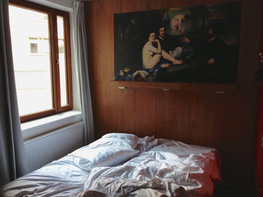 74_unmade_bed